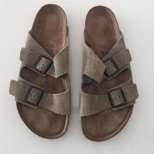 New Men's Birkenstock sandals shoes size 12